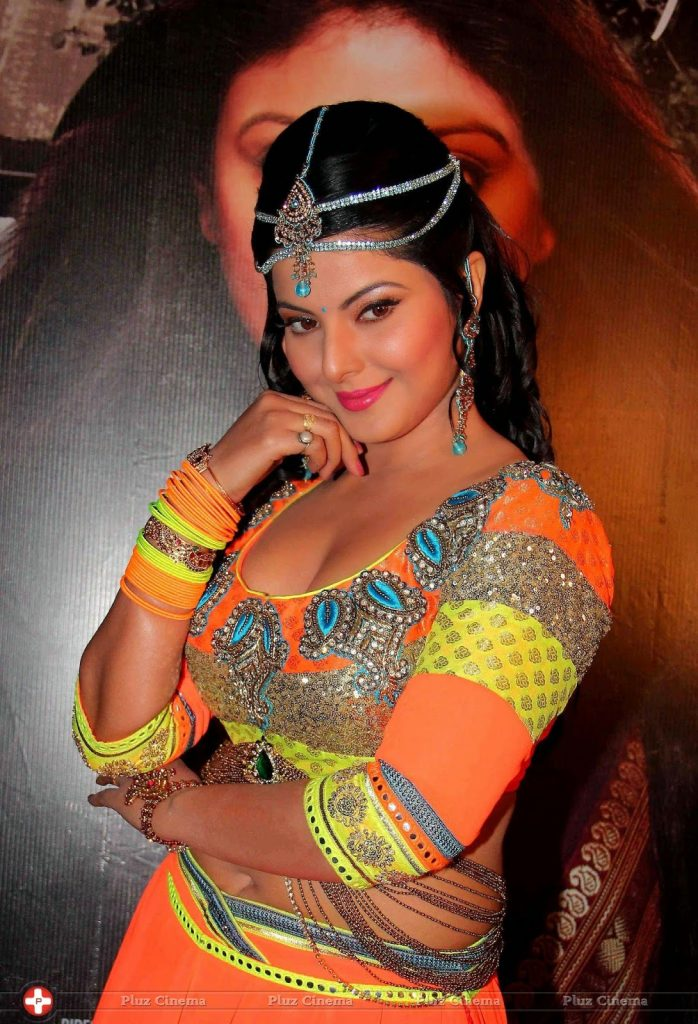 Smriti Sinha Bhojpuri Actress HD Wallpapers, Photo, Image