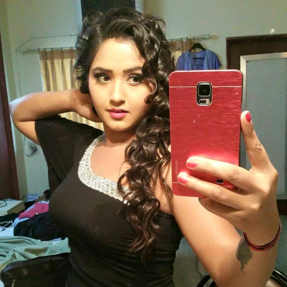 Kajal Raghwani Selfie Photo