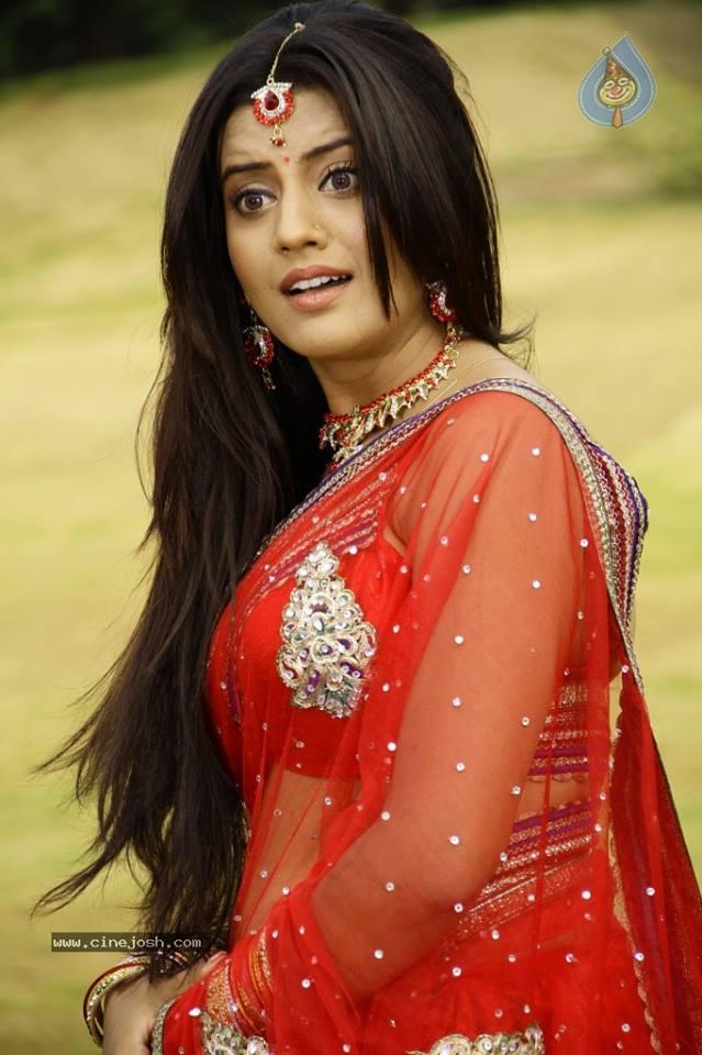 Akshara Singh Hot Image