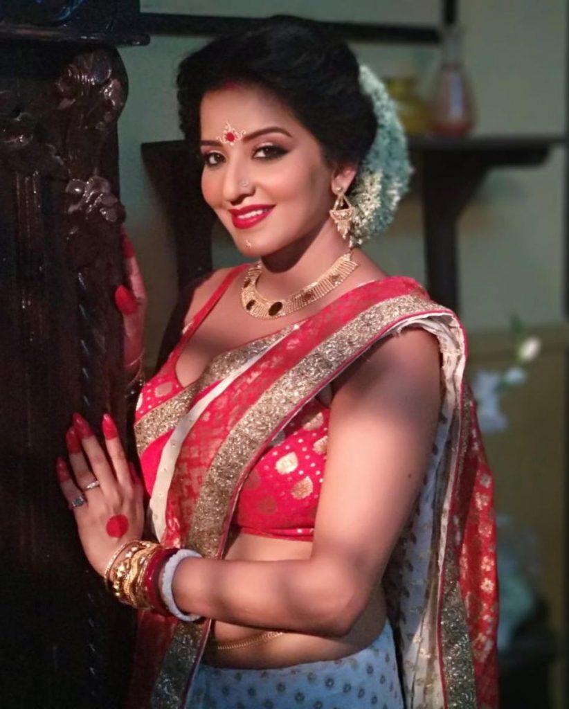 Bhojpuri Actress Mona Lisa HD Wallpapers, Image, Photo, Pics, Picture