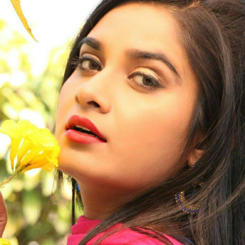 Ritu Singh HD Wallpaper, Biography, Picture Photo Image