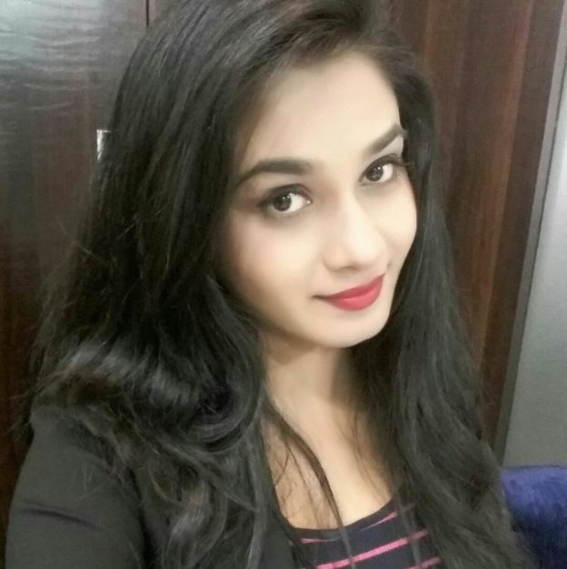 Ritu Singh Selfie Photo
