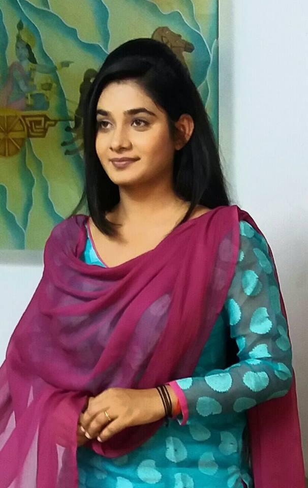 Ritu Singh Wallpaper