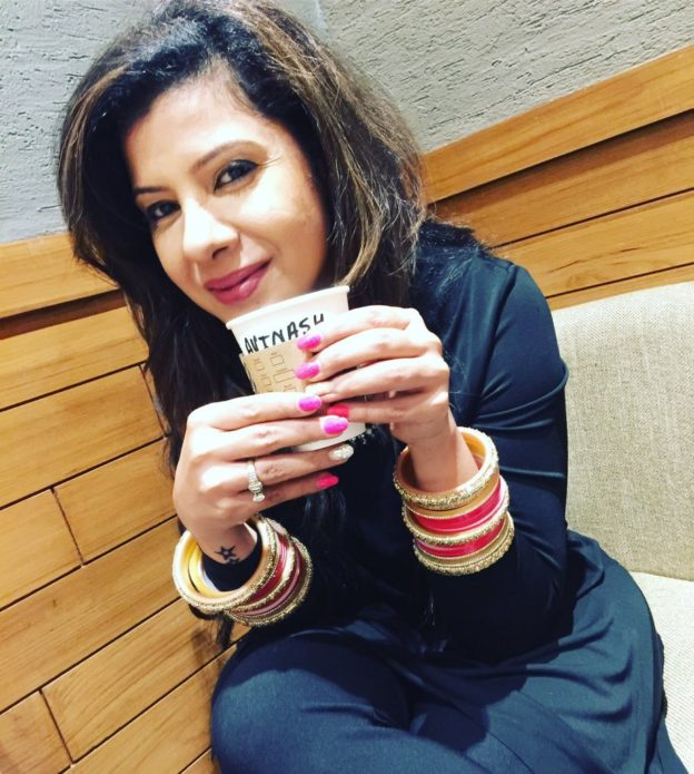 Sambhavna Seth Cute Wallpapers