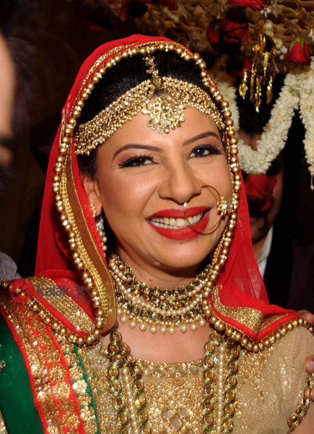 Sambhavna Seth HD wallpapers, Image, Pic, Photo, Bold Pictures