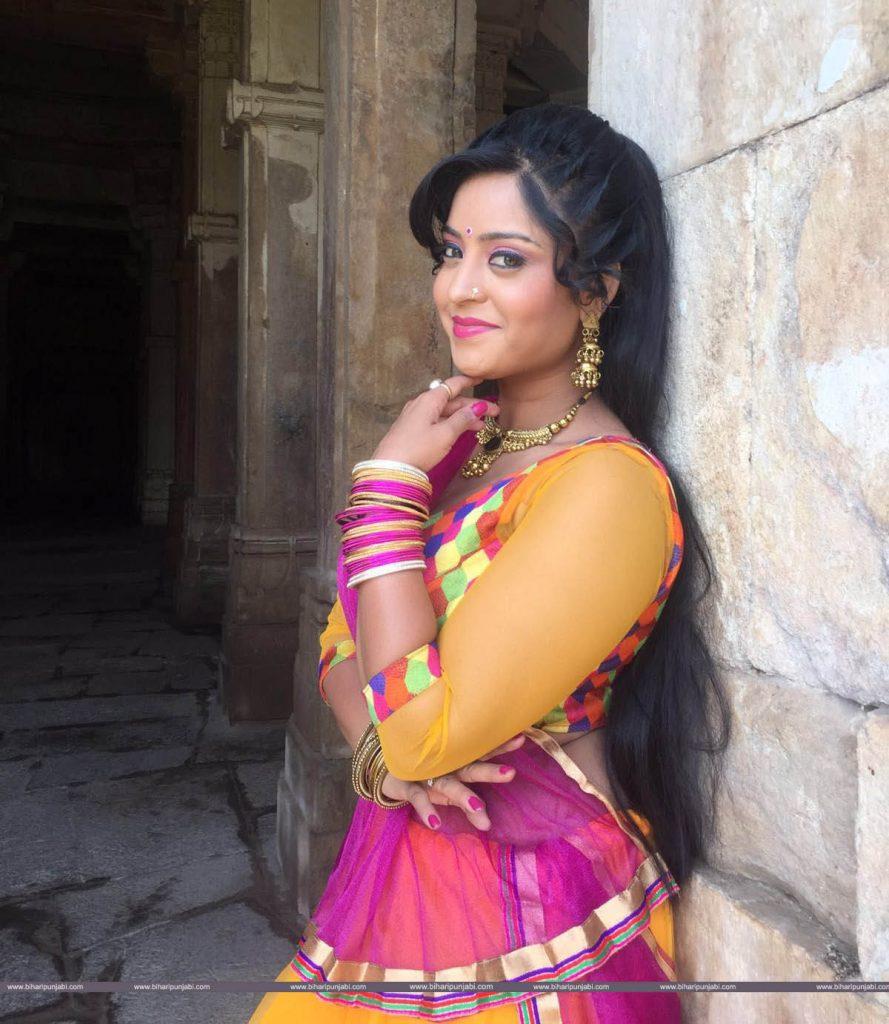 Shubhi Sharma HD Wallpaper, Picture, Bhojpuri Actress