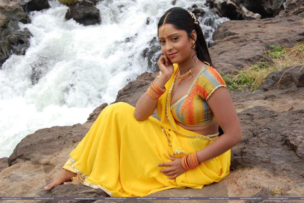 Shubhi Sharma HD Wallpaper, Picture, Bhojpuri Actress 1