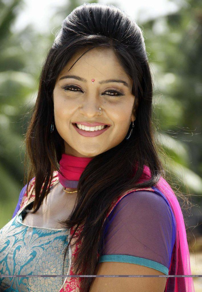Shubhi Sharma HD Wallpaper, Picture, Bhojpuri Actress 4