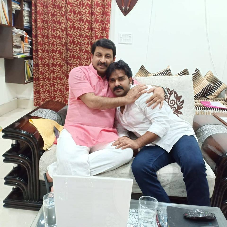 Pawan Singh and Manoj Tiwari Image